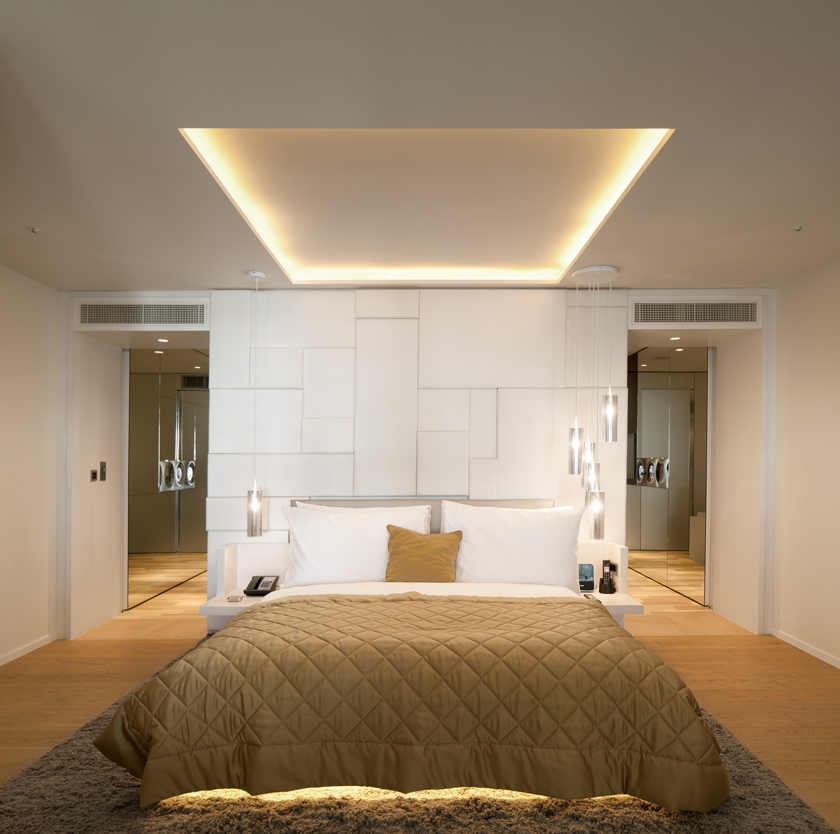 Voyeurdesign w london leicester square de concrete en for W hotel bedroom designs