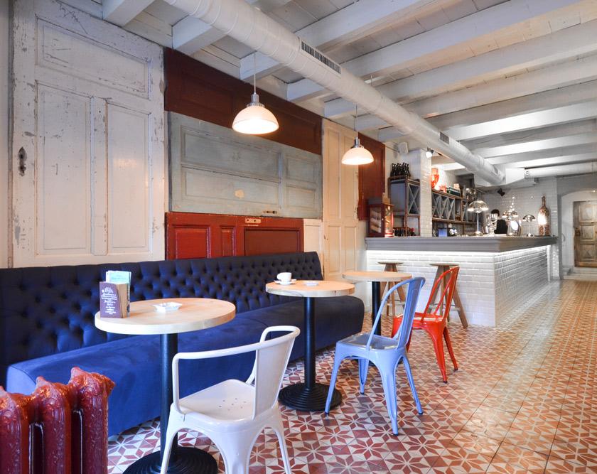 Voyeurdesign restaurante bon lo nuevo construido con - Suelos para bares ...